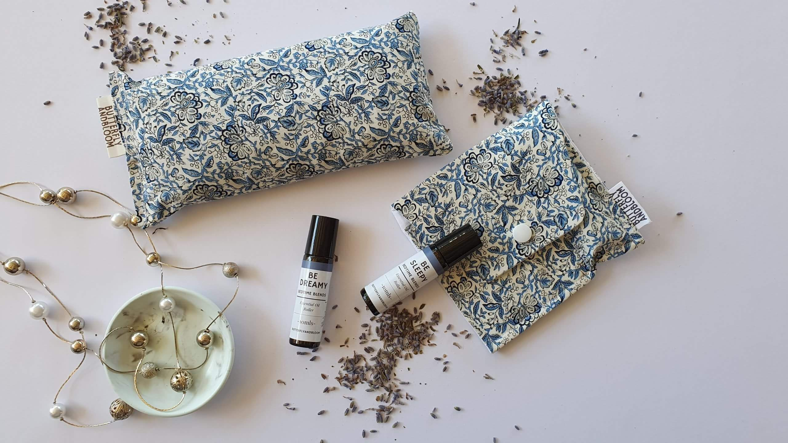 Essential Oil Roller Pouch | vintage blue